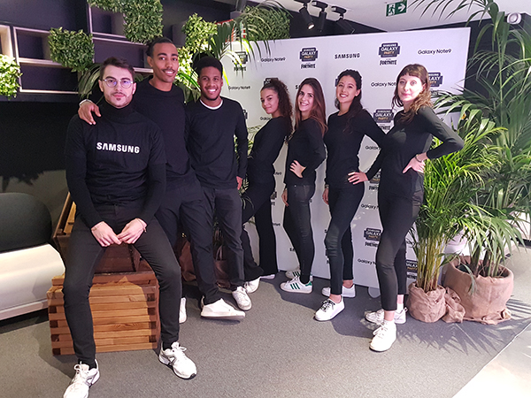 Hotesses-hotes-accueil-samsung-store-agence-norela